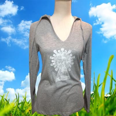 Camiseta Virgen del Pilar con capucha