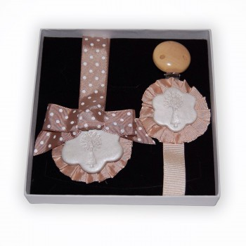 Pacifier pendant set crib and Brown
